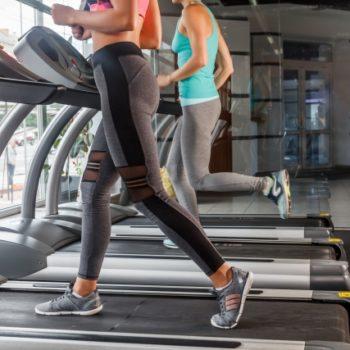正しい姿勢と歩き方:改善ポイントは足元